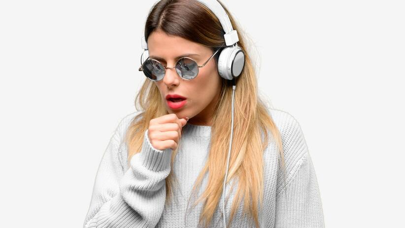 Young woman listen to music