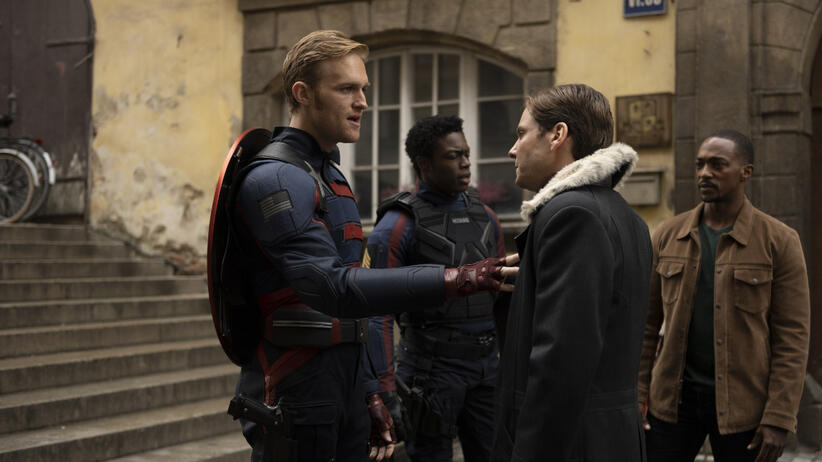 The Falcon and the Winter Soldier - Wyatt Russel, Cle Bennet, Daniel Bruhl, Anthony Mackie - kadr z serialu Marvela